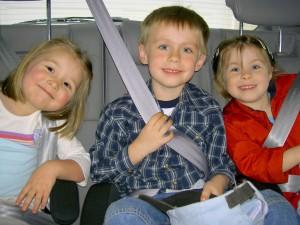 enfants-en-voiture